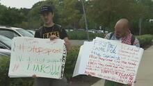 Estudiantes de Northeastern Illinois planean una protesta contra la visita de Sean Spicer al plantel