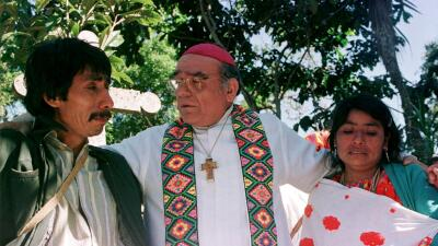 El polémico cura mexicano al que Francisco rinde honores