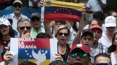 Miles de venezolanos, por segundo día consecutivo, se tomaron las calles para exigir la salida de Nicolás Maduro