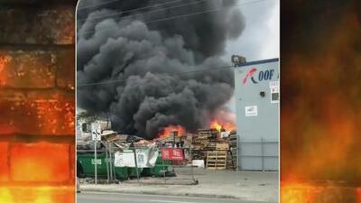 Investigan un incendio que dejó daños materiales en compañía de Hialeah, Florida
