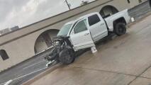 Autoridades investigan el caso de una camioneta desvalijada y abandonada en una zona industrial de Garland