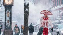 """""""Agradezco a todos por los bonitos mensajes"""": habla el mariachi que se hizo viral por su foto en la nieve"""
