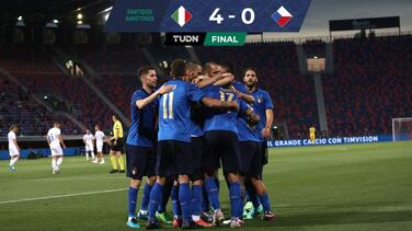 Italia hila ocho triunfos y tiene 720 minutos sin recibir gol