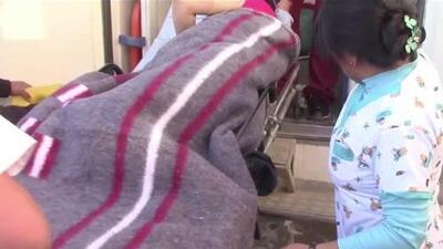 En video, la torpeza de unos camilleros que dejaron caer a una embarazada dos veces