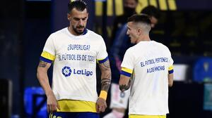 Cádiz 'anotó gol' a Real Madrid con playeras contra Superliga europea