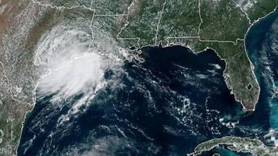 La tormenta tropical Imelda toca tierra en las costas de Texas y amenaza con fuertes lluvias e inundaciones