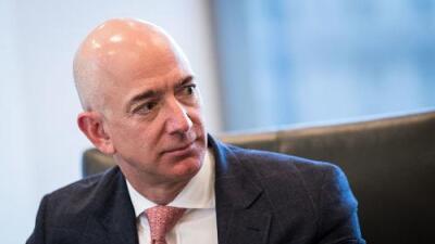 El dueño de Amazon, Jeff Bezos, acusa al diario sensacionalista 'National Enquirer' de extorsión y chantaje