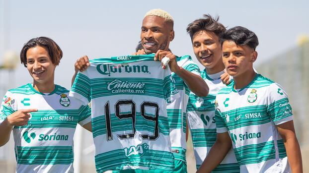 Después de 447 días, Ayrton Preciado vuelve a jugar con Santos