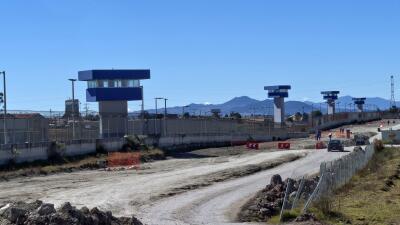 """La vida de """"El Chapo"""" en prisión: muchos libros y ninguna visita conyugal"""