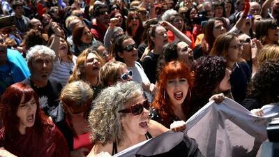 Protestas en España por la decisión judicial en un caso de violencia sexual en las fiestas de San Fermín