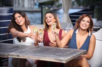 Francisca, Aleyda y Clarissa: tres bellezas latinas en sesión de fotos antes de Premios Juventud