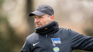 Hertha Berlin despide a entrenador por homofobia y xenofobia