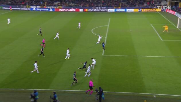 ¡Se salva el Real Madrid! Dennis pone adelante al Brujas, pero Tau está adelantado