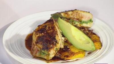 La receta: pechuga de pollo rellena de hierbas aromáticas y calabaza al horno