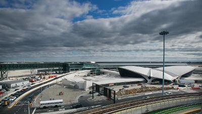 Vuelo a República Dominicana es desviado al aeropuerto JFK por pasajeros sintiéndose mal