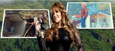 Lupillo y don Pedro Rivera generan polémica al grabar videos en el lugar donde cayó el avión de Jenni