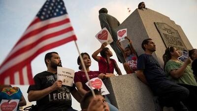 Sigue sobre la mesa el plan de la Casa Blanca de enviar a inmigrantes indocumentados a ciudades santuario