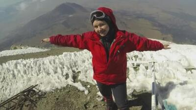 Conoce a la mexicana que se convirtió en la primera mujer del continente en escalar las tres montañas más altas del mundo