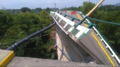 Una casa desplomada y un puente roto en Oaxaca por nuevo sismo tras el terremoto en México