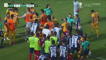 Vasco encendió la mecha en la pelea del Clásico Regio, ¿será sancionado?