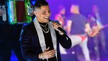 Bailando en tanga: El video que muestra cómo Eduin Caz de Grupo Firme se 'destapó' en pleno concierto
