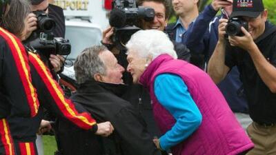 ¿Por qué es común que parejas que comparten durante décadas, como George y Barbara Bush, mueran en fechas cercanas?
