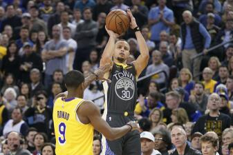 Carrusel NBA: los Warriors se conectan y vencen a los Lakers en un sábado de 12 partidos