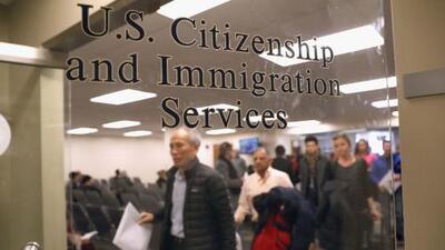 Más de un año, el tiempo que se demora el trámite de la residencia para inmigrantes tras lograr el permiso de trabajo