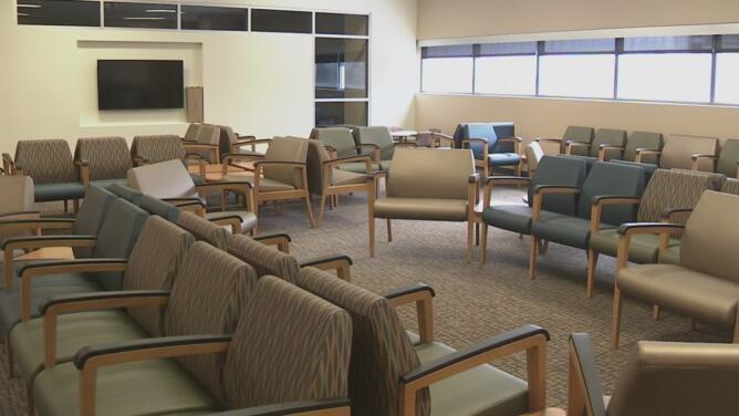 Hospital de Parkland anuncia cambios en su sistema de visitas ante el incremento de casos de coronavirus