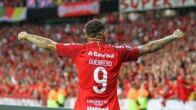 Paolo Guerrero volvió encendido de su sanción por dopaje: lleva tres goles en dos partidos