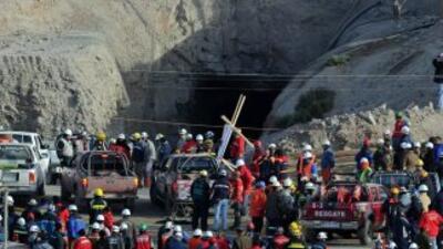 Derrumbe complica rescate de mineros en Chile