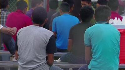 Menores migrantes pasan 23 horas encerrados en un vehículo mientras esperaban ser reunificados con sus familiares