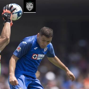 Pablo Aguilar y Jesús Corona, a un paso de renovar con Cruz Azul