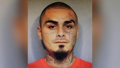 Hallan muerto de un balazo al sospechoso de disparar a tres agentes del orden en Houston