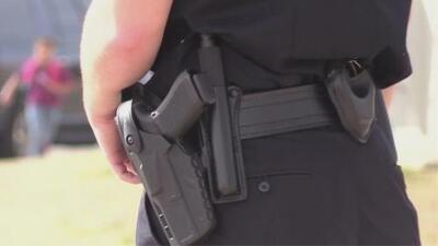 Distrito Escolar de Denton aprueba medida que permite a ciertos empleados portar armas de fuego