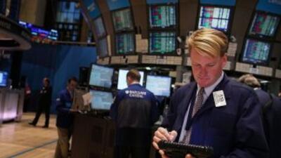 El Dow Jones rebasa los 13 mil puntos por Grecia