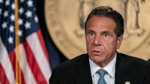Legisladores de NY revocarán poderes de emergencia de Cuomo
