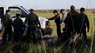 Anuncian acción legal para detener planes de ICE de tomar muestras de ADN a migrantes detenidos