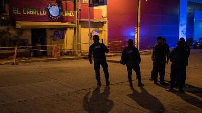 """""""La peor masacre en los últimos tiempos"""" en México: al menos 25 muertos en ataque armado en un bar nocturno"""