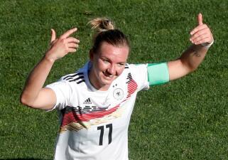 En fotos: Alemania se confirma como líder del Grupo B del Mundial Femenino con goleada