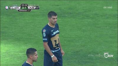 Orozco se 'amarró' y Mora acerca a Pumas con un cabezazo