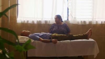 Dr. Juan se sometió a una terapia maya que le detectó un problema en el cuerpo y podría remediar naturalmente