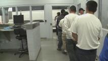 Activistas piden una solución a las condiciones en las que se encuentran decenas de indocumentados detenidos en una cárcel en el norte de California