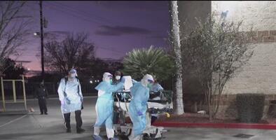 """""""Esto es lo peor que he visto"""": enfermera que lucha contra la pandemia en Houston"""