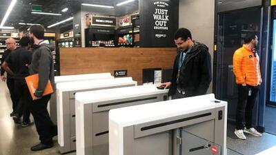 Amazon abre su primer supermercado sin cajas registradoras ni cajeros en Seattle