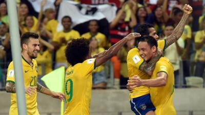 Brasil 3-1 Venezuela: La 'canarinha' triunfa en casa ante Venezuela