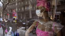 Encerrados, con miedo, pero con humor: así se vive España la cuarentena por el coronavirus