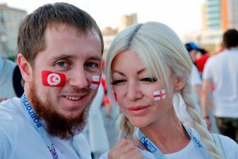En fotos: el color del Inglaterra vs Túnez en Volgograd, a orillas del Río Volga