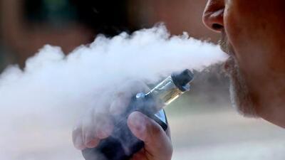 Michigan se convierte en el primer estado en prohibir los cigarrillos electrónicos con saborizantes