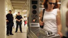 Nueva York se plantea no arrestar a quienes salten sobre los torniquetes del metro